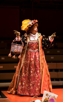 Nehassaiu de Gannes as Lady Davenant
